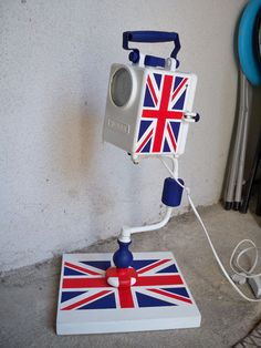 Lamp so british !   ....all things union jack