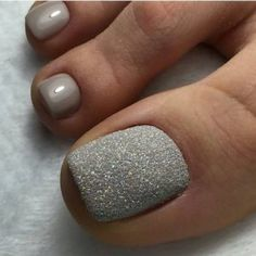 Pedicure Nail Art Design, If you've got hassle decisive that color can best suit your nails, commit to mirror this season or your mood! Cute Toe Nails, Fancy Nails, Pretty Nails, My Nails, Gel Toe Nails, Glitter Toe Nails, Simple Toe Nails, Gel Toes, Acrylic Nails