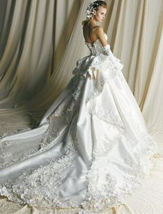 AK-10401OW | YUMI KATSURA OFFICIAL WEBSITE | Yumikatsura official site | bridal wedding dress