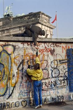 Wall to Wall   Steve McCurry