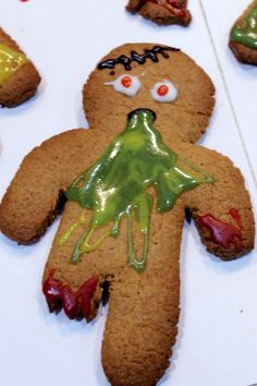 Lol Because what else would you do with those gingerbread men you left in the oven a little too long? creepy food for halloween Halloween Desserts, Halloween Food For Adults, Halloween Dinner, Halloween Food For Party, Halloween Cookies, Holidays Halloween, Halloween Treats, Christmas Cookies, Halloween Halloween