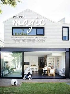 🌟Tante S!fr@ loves this📌🌟For the love of a steel beam. The beautiful Melbourne home of Rae Maxwell in the latest issue of - a feature. Exterior Colors, Exterior Design, Interior And Exterior, Weatherboard House, Queenslander, Melbourne House, Exterior Cladding, House Extensions, Facade House