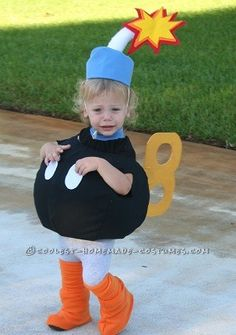 Bob-Omb Toddler Halloween Costume… Coolest Halloween Costume Contest I made several costumes for my toddler in the last 2 months. I did not enter all of them in this contest because it takes a while to do the write ups. Costume Halloween, Looks Halloween, Costume Carnaval, Holidays Halloween, Halloween Kids, Halloween Crafts, Diy Mario Costume, Halloween Costumes For Toddlers, Mario Kart Costumes