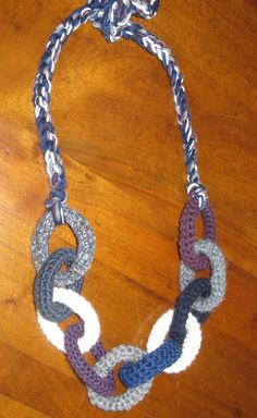 collana di lana lavorata all'uncinetto : Collane di giovanna-cargnelli   <3