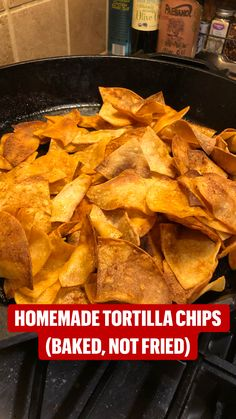 Homemade Tortilla Chips Baked, Homemade Corn Tortillas, Homemade Chips, Low Carb Chips Tortilla, Baked Chips, Yummy Appetizers, Appetizer Recipes, Snacks Recipes, Mexican Food Recipes