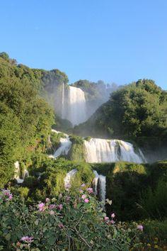 Cascata della Marmore, de grootste waterval van Italië. Deze ligt vlakbij Terni. De waterval is geen natuurlijke waterval maar gemaakt door de Romeinen.