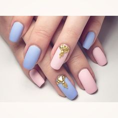 """""""Hello my fellow mermaids!  This is my third entry for the @So_nailicious Colour of the Year Challenge  using Rose Quartz & Serenity colours as…"""""""