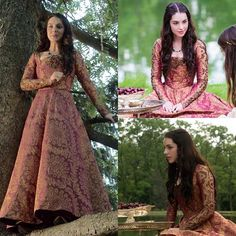 Medieval Fashion, Medieval Dress, Vintage Dresses, Nice Dresses, Marie Stuart, Reign Mary, Reign Dresses, Reign Fashion, Indian Designer Outfits