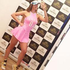 Chicas y chicos a los que vayan a la tienda de #emporiomodabrasil van a tener del 20 al 30 % de descuento y más solo dicen mi nombre EYMI 🙋🏼#goodvibes#model#style#sport#outfit#pink#brasil#modelo#barbie#cute#loveit#fit#fitgirl#respost#lima#peru