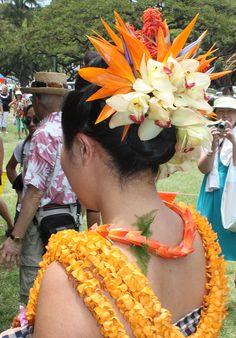 IMG_1892 by U Jay, via Flickr Flower Hair Pieces, Flowers In Hair, Lilies Flowers, Flowers Garden, Exotic Flowers, Purple Flowers, Polynesian Dance, Polynesian Designs, Hawaiian Flowers