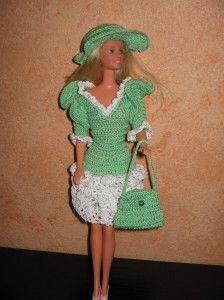 Je viens tout juste de vous présenter ma dernière création en matière de vêtements pour Barbie, la robe Shopping avec le chapeau et son sac Pour obtenir les explications de ce modèle, un simple clic sur la photo et vous obtiendrez les explications de...