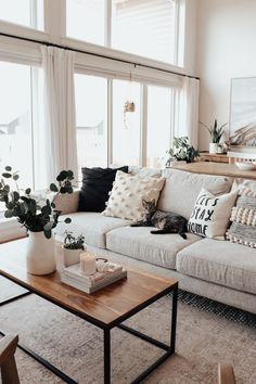 How To Style A Small Living Room Small room decorating is a skill on its own. Using any and all a spare room requires determining what is likely; and sometimes a bit interior design. Home Living Room, Apartment Living, Living Room Ideas, Modern Apartment Decor, Narrow Living Room, Living Spaces, Room Ideas Bedroom, Bedroom Decor, Decor Room