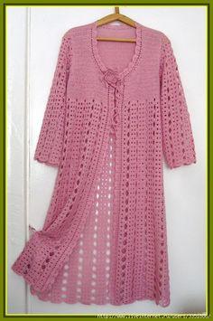 Длинный розовый жакет-шазюбль.  Крючок, интересный простой узор.