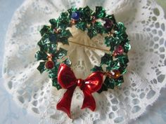 Christmas Wreath brooch and Pendent, Vintage Style
