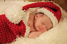 Hand crocheted Christmas outfit for newborn baby, Santa Hat and Christmas Socking Cocoon Toddler Christmas Photos, Christmas Photo Props, Christmas Gifts For Boys, Newborn Christmas, Christmas Baby, Hand Crochet, Crochet Baby, Baby Stocking, Vintage Christmas Stockings