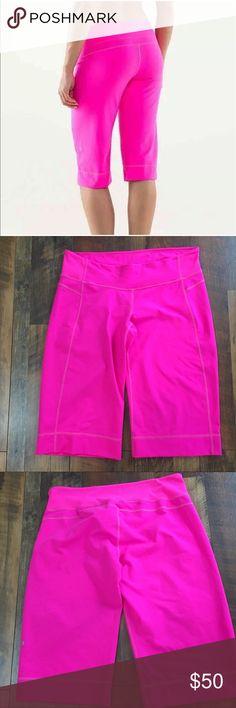 "Lululemon Clam Digger II Pink Bermuda Shorts Lululemon Clam Digger II size 12 in gently used condition with no flaws.  Measurements: Waist: 18"" Total length: 25"" lululemon athletica Shorts Bermudas"