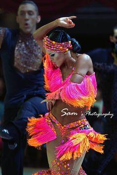 Ice Dance Dresses, Latin Ballroom Dresses, Ballroom Dancing, Dance Outfits, Latin Dresses, Salsa Outfit, Salsa Dress, Ballroom Costumes, Belly Dance Costumes