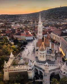Matthias Church in Budapest, Hungary Travel Destinations Honeymoon Backpack Backpacking Vacation Visit Budapest, Budapest Travel, Beautiful World, Beautiful Places, Travel Around The World, Around The Worlds, Wachau Valley, Places To Travel, Places To Visit