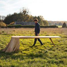 Table Racines carré, communion entre le design et la forêt