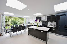 Kitchen 8. Finlay Brewer sell and rent of some of West London's finest properties www.finlaybrewer.co.uk