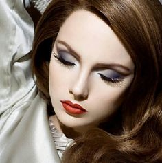 Whip My Hair… Old Hollywood Glam makeup.so classic and sophisticatedOld Hollywood Glam makeup.so classic and sophisticated Glam Makeup, Party Makeup, Face Makeup, Wedding Makeup, Bridal Makeup, Doll Makeup, 40s Makeup, Vegas Makeup, Classy Makeup