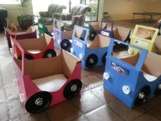 Ideas Cars Movie Toys Cardboard Boxes For 2019 Preschool Projects, Activities For Kids, Crafts For Kids, Diy Projects, Preschool Ideas, Cardboard Box Playhouse Diy, Cardboard Car, Kids Boxing, Dad Birthday