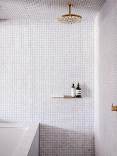 minimalist modern bathroom decor with tiny tiles and gold detail Art Deco Bathroom, Bathroom Taps, Bathroom Tile Designs, Bathroom Interior Design, Modern Bathroom, Small Bathroom, Minimal Bathroom, Bathroom Grey, White Mosaic Bathroom