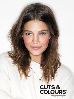 Kies je liever voor een simpele touch aan jouw haar? Laat je adviseren bij Cuts & Colours en kies voor een van onze 3 knip of kleurbehandelingen. Vraag ook naar onze Cuts & Colours productdeals voor blijvend verzorgd haar en een stralend resultaat!