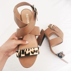 We got those summertime, summertime sandals! Tell your Stylist you're looking for a strapping new pair in your Fix Note. : @lexwhatwear
