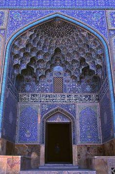 Morocco! 青かわいい。 目が足りない。