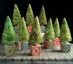 New Magia Mia design for Set of 3 Bottle Brush trees perched on vintage wooden toy block. Country Christmas, Winter Christmas, Christmas Holidays, Christmas Ornaments, Cabin Christmas, Beach Christmas, Christmas Projects, Holiday Crafts, Christmas Ideas