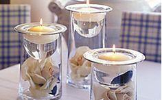 Centros de mesa con flores | Rosas blancas dentro de tubos de ensayo y velas | Original y moderno