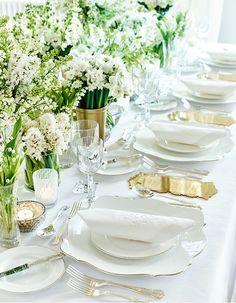 幸せあふれる、世界一のウエディングテーブル。【ホワイト編】──オール・イン・ホワイト。花嫁のための、その色を。