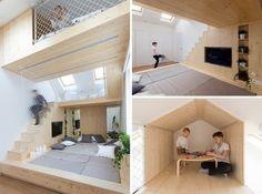 aire de jeux en bois clair avec 2-ème étage superposéau lit sur plate-forme adulte