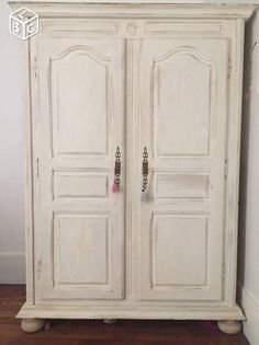 Armoire normande ancienne peinte blanche Plus