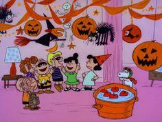'It's the Great Pumpkin Charlie Brown' Will Air Twice This Year Halloween Icons, Retro Halloween, Halloween Cartoons, Halloween Pictures, Spooky Halloween, Happy Halloween, Peanuts Halloween, Halloween Season, Cute Fall Wallpaper