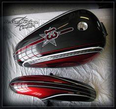 Moto Custom, Custom Motorcycle Paint Jobs, Custom Harleys, Custom Bikes, Triumph Bobber, Motorcycle Tank, Harley Bikes, Car Painting, Paint Shop