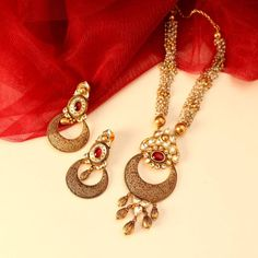 Adorn the golden crescent moon today! Gold Mangalsutra Designs, Gold Jewellery Design, Gold Jewelry, Designer Jewelry, Gold Necklace Simple, Necklace Set, Locket Design, Antique Necklace, Gold Set