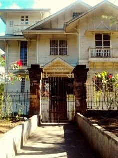 White House in leonard wood road Baguio City, Philippines Philippine Architecture, Filipino Architecture, Art And Architecture, Spanish House, Spanish Colonial, Spanish Style, Philippines Fashion, Philippines Culture, Filipino House