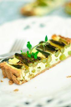 Asparagus, green pea and feta cheese tart