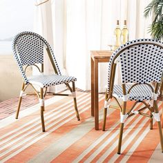 Shop our wicker dining chair collection. You can find wicker patio dining chairs and wicker chair sets to complete any dining set. We love a variety of chairs made out of wicker and you can find wicker armchairs, accent chairs, side chairs, and more. Wicker Dining Chairs, Dining Chair Set, Outdoor Chairs, Indoor Outdoor, Outdoor Ideas, Rattan, Outdoor Living, Bistro Chairs, Side Chairs
