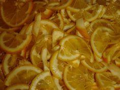 """""""Gemul de lămâie"""" este un adevărat deliciu dacă știi cum să-l prepari. Astăzi vă oferim o rețetă foarte simplă de gem de lămâie, care se prepară din doar 3 ingrediente, este absolut delicios, foarte aromat, cu gust dulce-acrișor minunat și cu un conținut mare de vitamina C. Dacă nu ați făcut până acum gem de … Diy And Crafts, Vitamins, Food And Drink, Drinks, Ethnic Recipes, Recipes, Canning, Drinking, Beverages"""