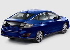 2017 Honda Clarity Plug-In. Not available in the UK, thank heavens. Not the best styling exercise