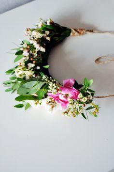 Homemade flower crowns | Lark & Linen