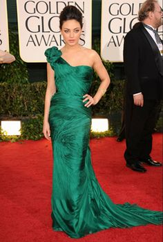Red Carpet Style: Celebs in Elegant Emerald Dresses: Mila Kunis Dresses For Teens, Sexy Dresses, Beautiful Dresses, Nice Dresses, Prom Dresses, Formal Dresses, Wedding Dresses, Emerald Dresses, One Shoulder Gown