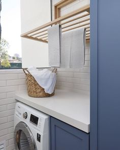 home office decor Outdoor Laundry Rooms, Modern Laundry Rooms, Küchen Design, House Design, Interior Design Kitchen, Laundry Room Remodel, Laundry Room Inspiration, Clothes Drying Racks, Laundry Room Design