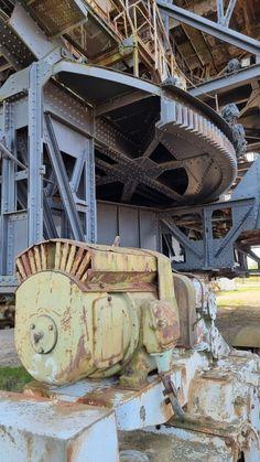 Lost Places der Industriekultur - Ferropolis - Burgdame Tower, Lost, Building, Places, Travel, Campsite, Steel Sculpture, Steel Mill, Rook