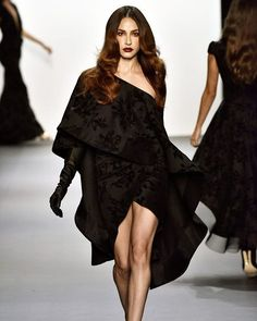Without a doubt my favourite piece from @michaelcostello SS '17 at @NYFW there were so many amazing gowns so I can't share just one. Check out our Stories for many more favs and inspiration for your wedding. 😘😘 #NYFW
