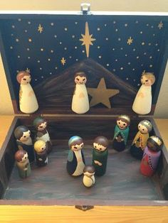Look to Him and be Radiant: Woodburned Peg Doll Nativity How-To Nativity Peg Doll, Diy Nativity, Wood Peg Dolls, Clothespin Dolls, Christmas Nativity, Christmas Wood, Homemade Christmas, Kids Christmas, Christmas Ornaments