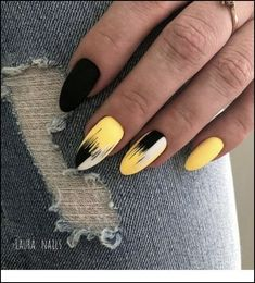 This series deals with many common and very painful conditions, which can spoil the appearance of your nails. SPLIT NAILS What is it about ? Nails are composed of several… Continue Reading → Yellow Nails Design, Yellow Nail Art, White Nail, White White, Color Yellow, Yellow Black, Nail Pink, Neon Yellow, Easy Nails